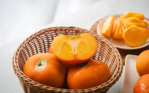 【秋季限定!美猴王的大雪山甜柿 優級 13入】絕佳地理條件孕育出最自然甜美的柿子