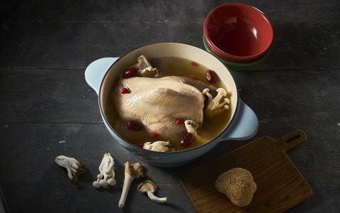 【百菇全雞雞湯】老牌雞場自營 品質有保障!